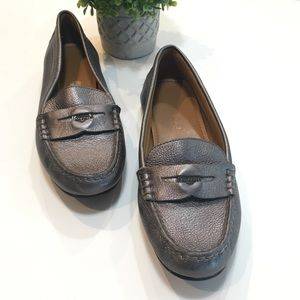 Like New COACH PENNY LOAFER Hard to find!!SZ 6.5B